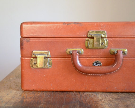 Vintage 1940s Shortrip Overnight Case ..Cosmetics Case
