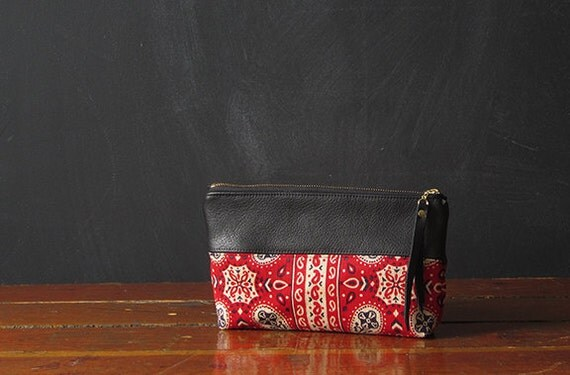 the 9-inch ZIPPER pouch. limited edition.
