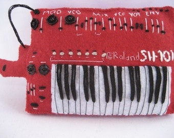 Roland SH-101 red