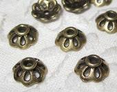 30 pcs Antiqued brass bead caps  (CAP-005)