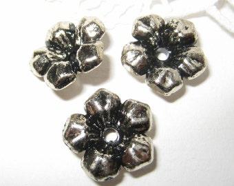 20 pcs 14mm - Vintage silver five petals flower beads (FL047-S)