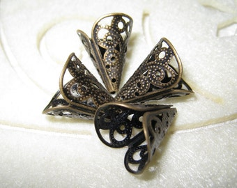 4 pcs Vintage brass filigree lily flower/bead caps - (Nickel Free)