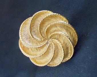 Golden Swirls Brooch/Stick Pin