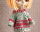 Vintage blythe sweater - Mint & Strawberry - knitted pullover for a Dolly -   for Blythe, Pullip, and 1/6 scale dolls