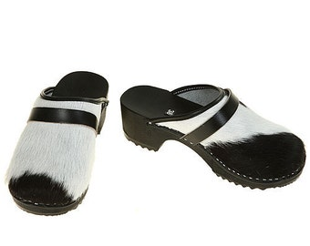 Classic Cowhide Clog  ( black-white )