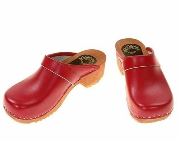 Wooden Clogs (red, black, olive-brown, purple, yellow)