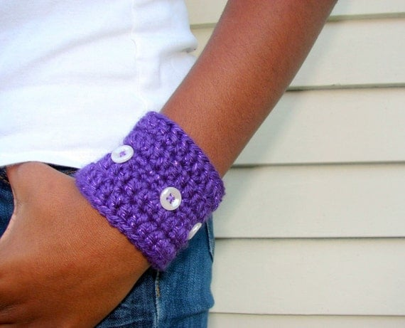 Purple Bracelet Crochet Cuff with Vintage Buttons, READY TO SHIP, Fall Fashion Autumn Trend