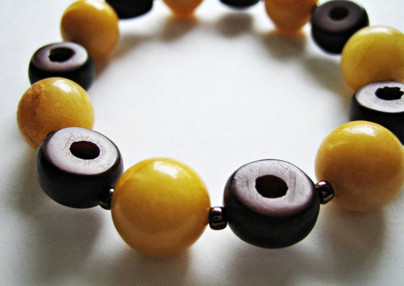 Retro Look Stackable Yellow Agate Gemstone and Palm Nuts Stretch Bracelet