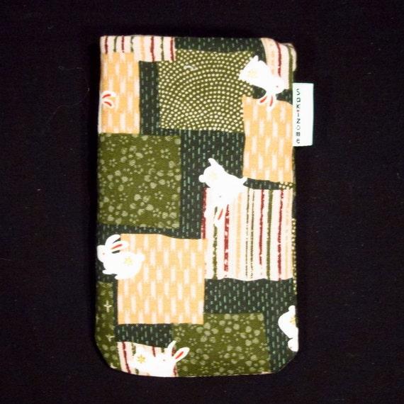 iPhone iPod Blackberry Gadget Sleeve - Japanese Rabbits - Custom