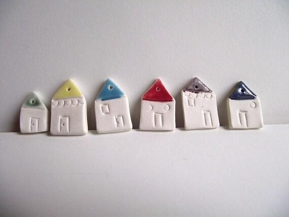 16 Coloured little Houses porcelain bead
