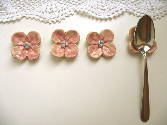 Pink Flower For Your Teaspoons: Six Little Flowers -  Gres