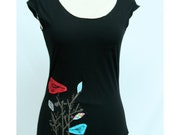 womens applique and screenprint black birdl shirt