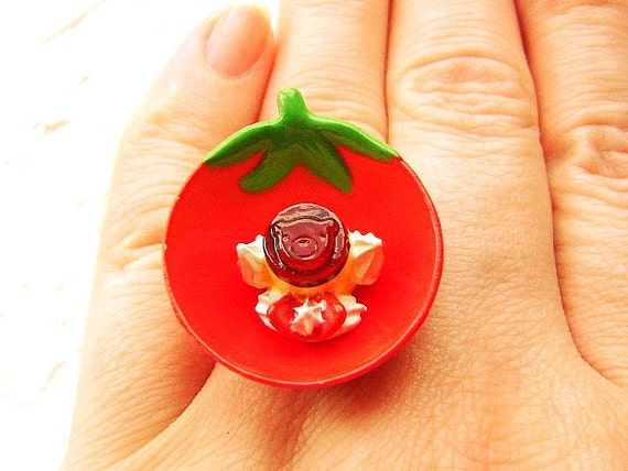 Whipped Cream Pudding On Strawberry Bowl Ring