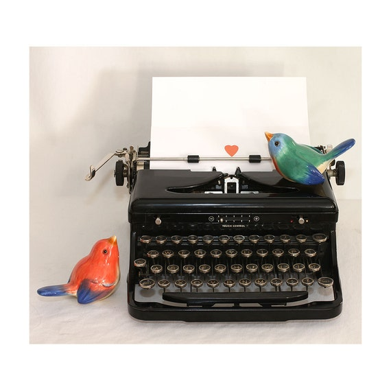Vintage 30s Royal Model O Typerwriter