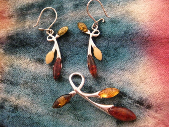 Vintage Amber Sterling Silver Pendant and Earrings Set