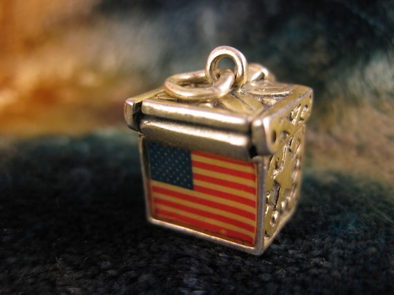 Charm - Sterling Silver - Silver Prayer Box - Antique Sterilng Charm - Silver Star - American Flag - Patriotic Charm - Collectibles