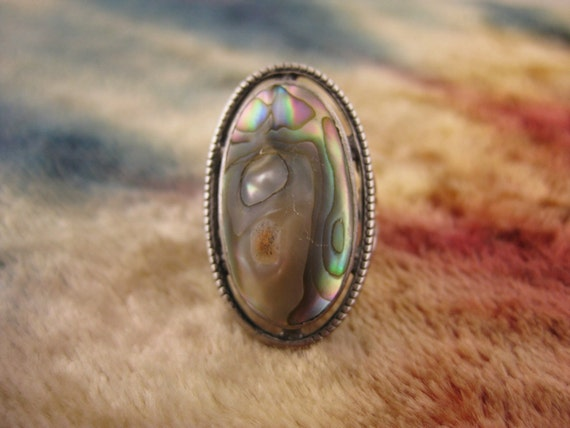 Ring - Size 4 - Sterling Silver - Blistering Abalone Shell - Rainbow Color - Vintage Silver Ring - Signed Stamped