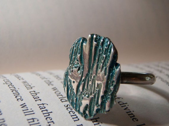 tree bark ring . turquoise blue patina . large recycled silver ring . ready to ship size 7.5 . free shipping