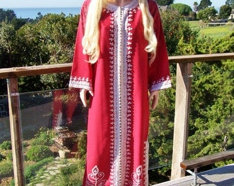 Caftan Red embroidered dress Valentines Hostess maxi size L