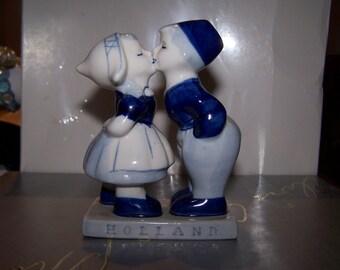 SALE, Delft, Figurine, Kissing, Delft Blue figurine, Holland, Dutch figurine