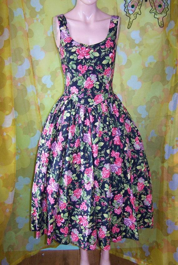 Designer Dress Laura Ashley Floral Beauty size M