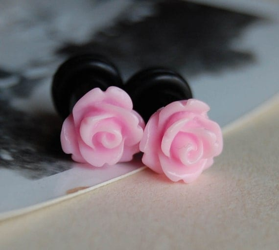 2g (6mm) Pink Rose Flower Plugs- for stretched ears