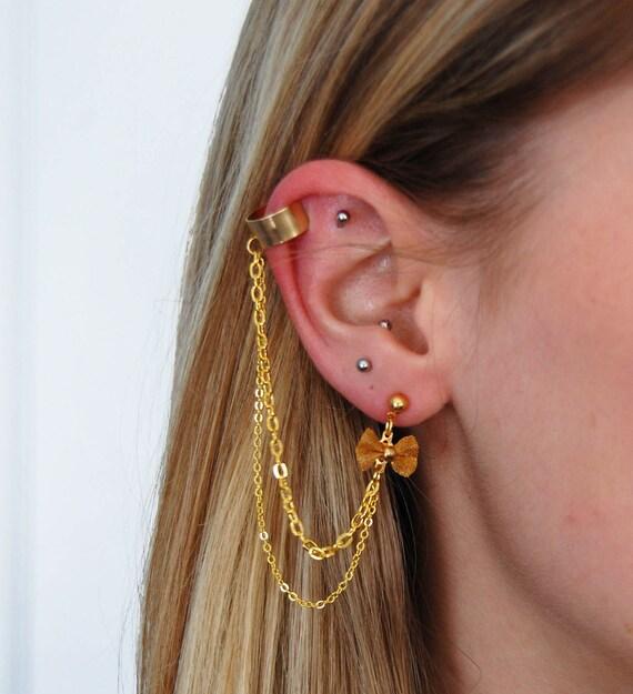 Gold Bow Chain Earcuff