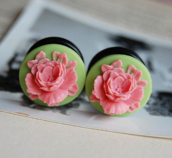 """9/16"""" (14mm) Pink and Green Flower Cameo Plugs for stretched ears"""