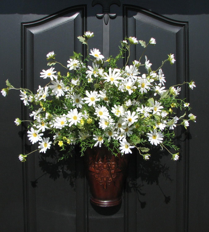 spring outdoor wreath spring daisy basket daisies