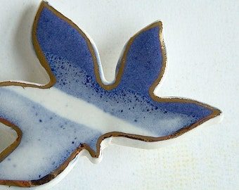 Porcelain Maple Leaf Brooch. Blue & White with 22K Gold Decoration. Denim. Indigo. Cobalt. Light Blue. Autumn Leaves. Canada. Woodland. Acer