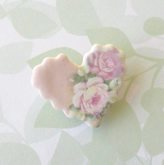 Small Porcelain Heart Brooch.   Pastel Pink Cabbage Roses.  Shabby Chic.  Brooch Bouquet or Bridesmaids' Gifts