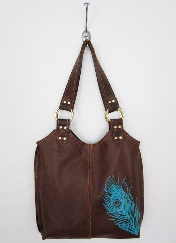 as seen in TWILIGHT & NEW MOON - Bella's bag