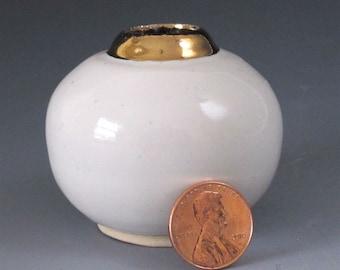 SALE... Petite Vase with 22ct Gold Decoration