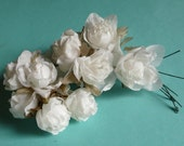 2 bunches Silk Flowers in Cream for Bridal, Boutonnieres, Corsages, Bouquets