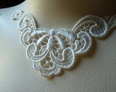 Lace Applique Set of 3 in Ivory for Jewelry Supply, Altered Couture, Costume Design SIA 500