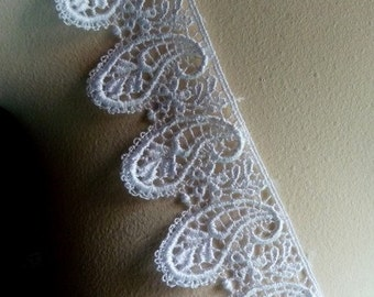 Off White Paisley Lace Trim Venice Lace for Bridal, Jewelry or Costume Design