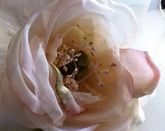 Silk Velvet and Organdy Millinery Roses in Peach Blush for Hats, Corsages MF 101-4933