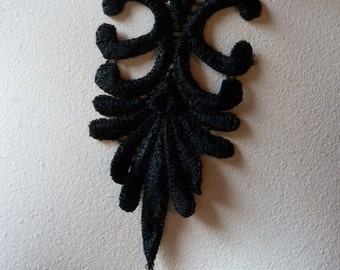 3 Lace Appliques in Black Venise Lace for Jewelry, Costume Design