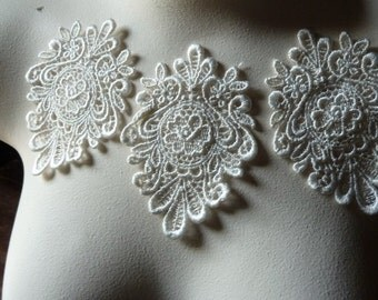 3 IVORY Lace Appliques Medallion Style Venice Lace for Bridal, Lace Jewelry, Costume Design