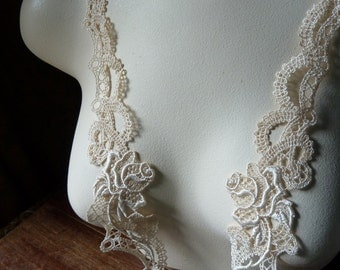 SALE Lace Applique pair in Ivory Blush Venice Lace for Headbands, Jewelry or Costume Design PR 32