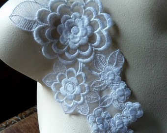 SALE Lace Flower Applique in WHITE  for Bridal, Altered Couture, Costume Design WA 623