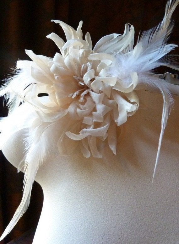 Champagne Ivory Silk Large Chrysanthemum with Feathers for Bridal, Corsages, Floral Supply MF 106