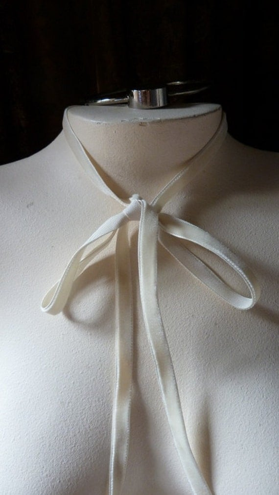 REMNANT 5 yds.Velvet Ribbon in Ivory for Jewelry or Costume Design,Millinery, Couture, Floral Supply VL 88