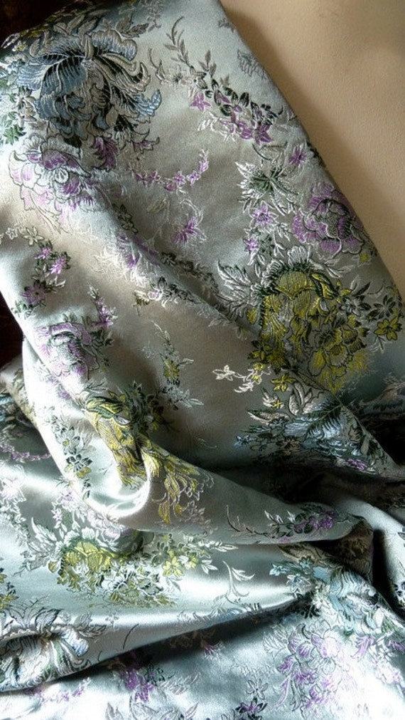 Silk Brocade Fat Quarter Ships from USA for Bridal, Clutches, Mother of the Bride, Asian Gowns, Roses, Sewing