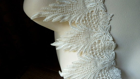 Venise Lace in Ivory for Bridal, Lace Jewelry, Costume Design L 3000iv