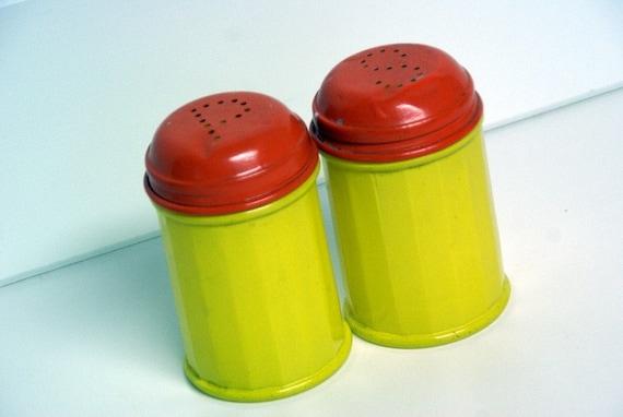 Set of Vintage Gemco USA Salt and Pepper Shakers by speckleddog on etsy