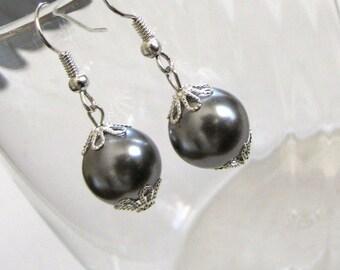 Pearl Drop Earrings,Grey Pearl Earrings ,Simple Pearl Earrings ,Gray Pearls ,Bridal Earrings ,Bridesmaid Earrings ,Bridesmaid Gift
