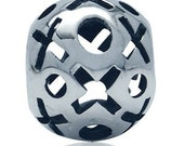 Sterling Silver Hugs and Kisses Bead fits Pandora/Camilia/Troll/Biagi Bracelets and Necklaces