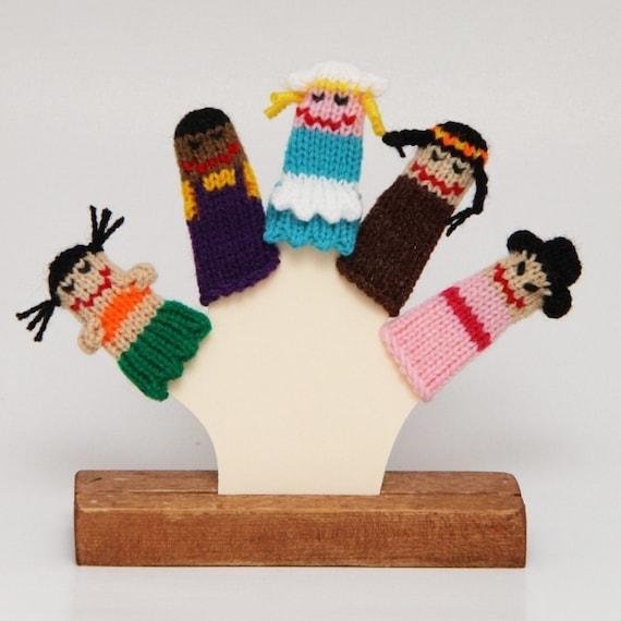 Children of the World Finger Puppet Set  (Includes 5 finger puppets.)
