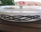 Pyrex Barbed Wire Divided Dish